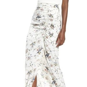 Cutest spring floral skirt! (S)